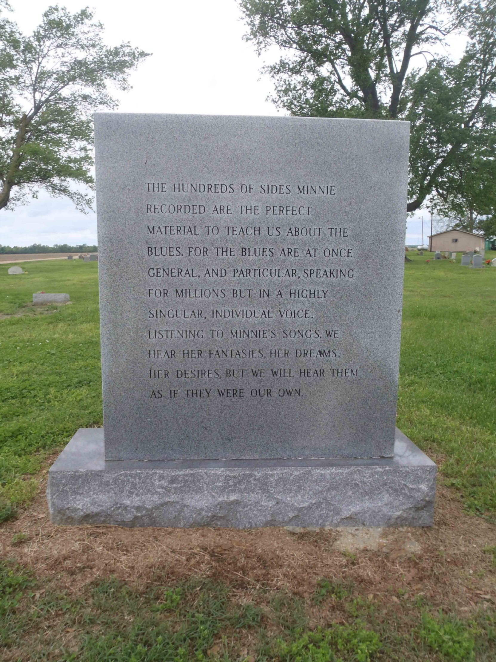 Inscription on the rear side of Memphis Minnie's gravestone