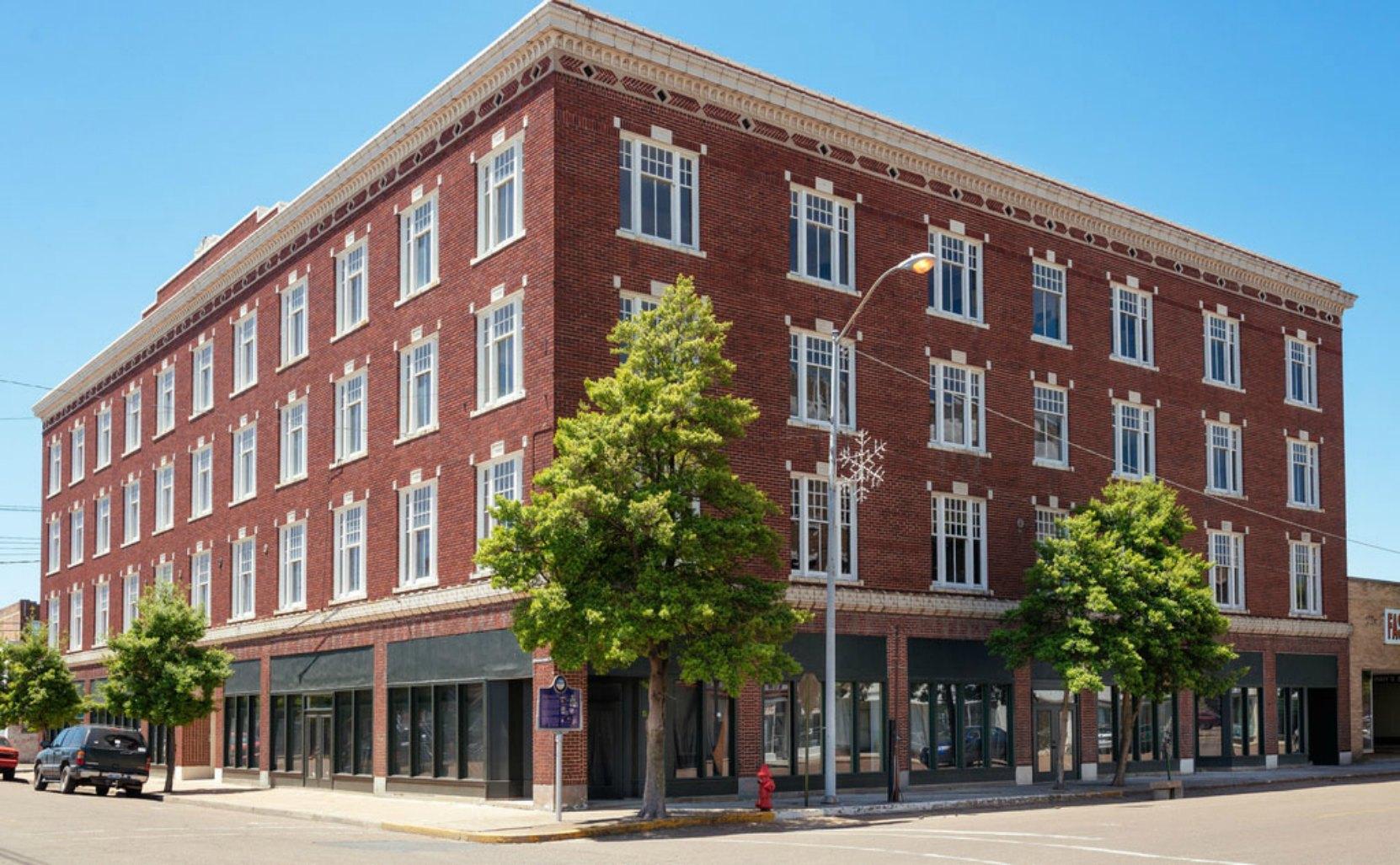 Alcazar Hotel, Clarksdale, Mississippi (photo: Flickr)