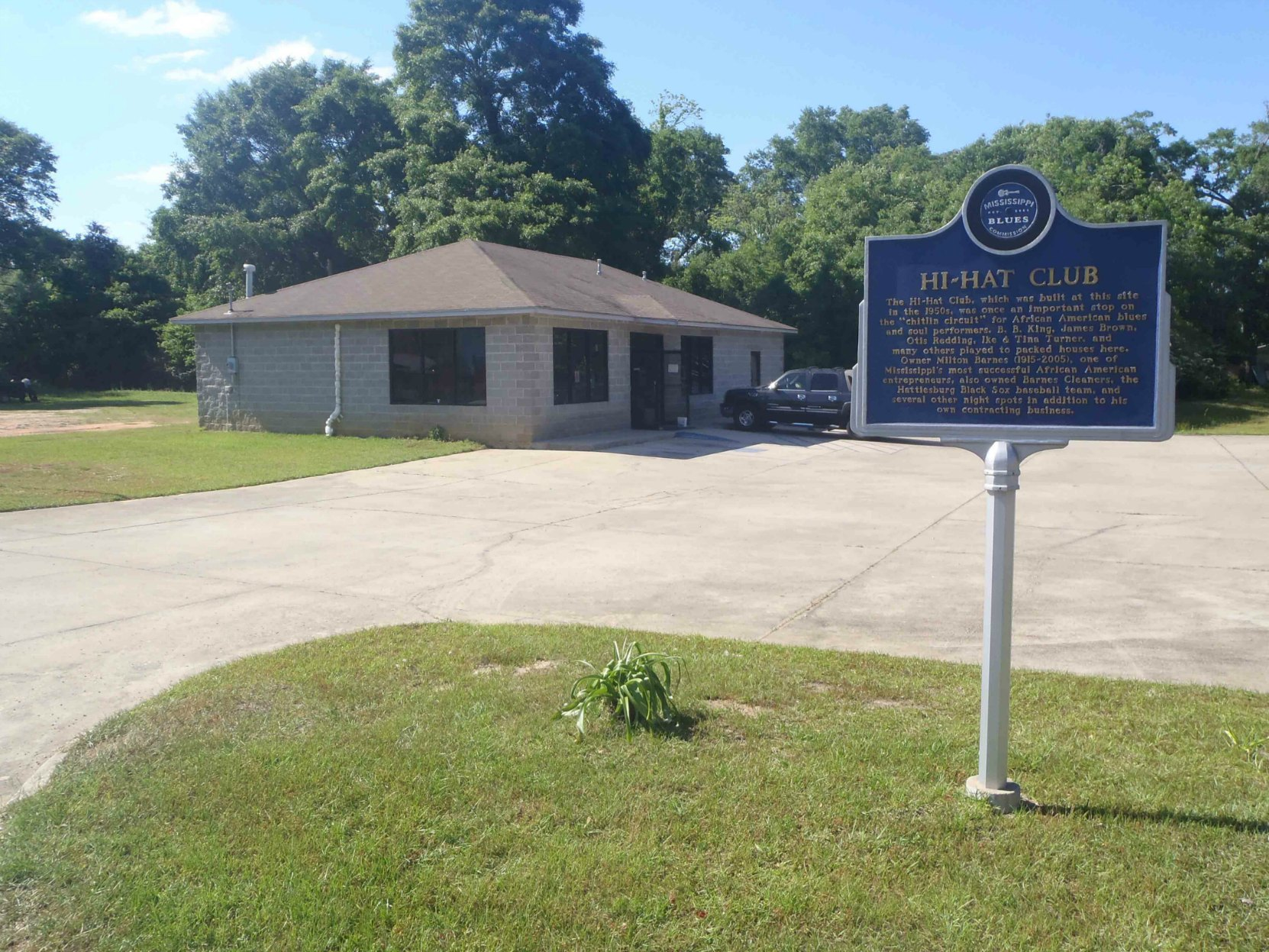 Mississippi Blues Trail marker commemorating the Hi-Hat Club, Hattiesburg, Mississippi