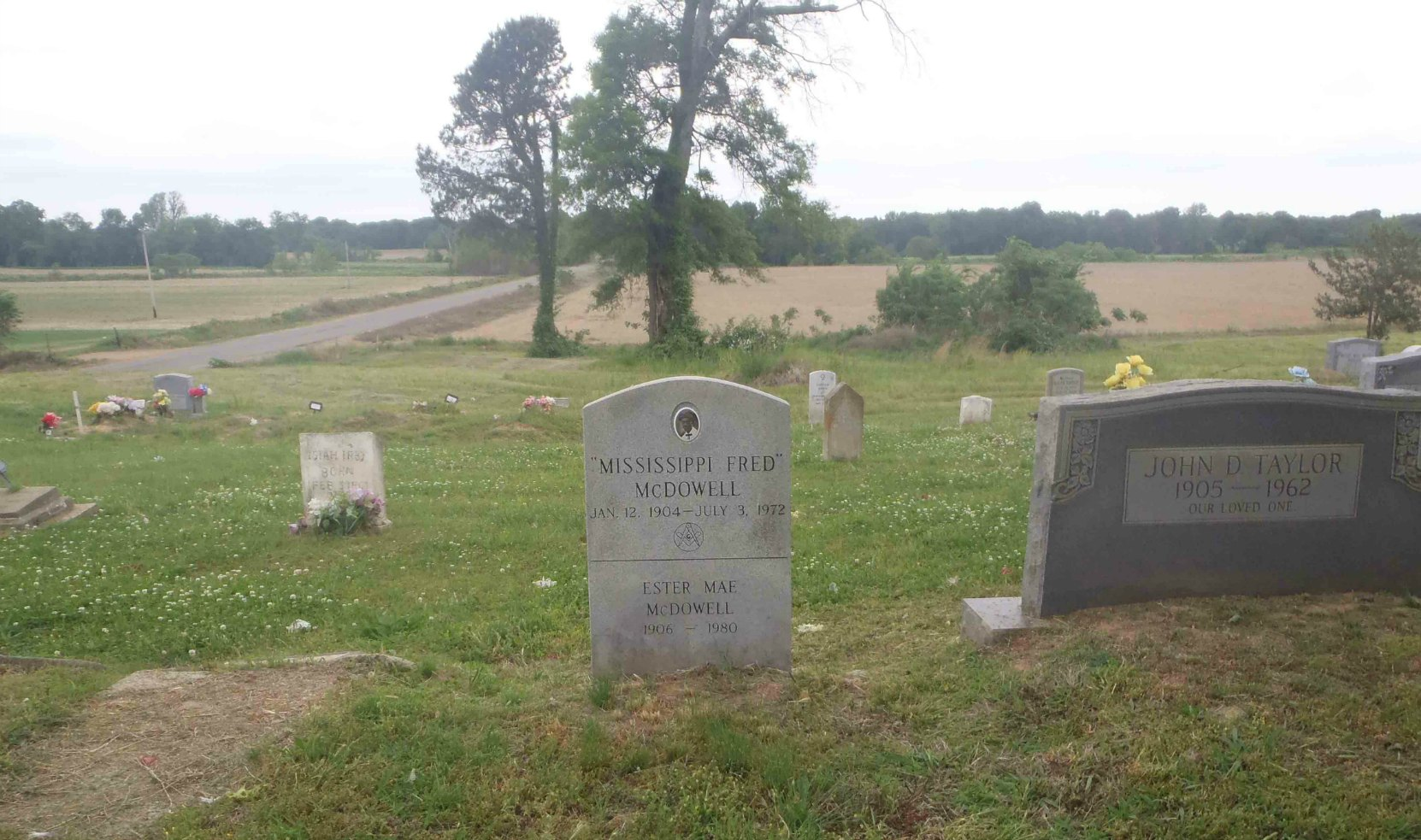 Mississippi Fred McDowell's grave, near Como, Panola County, Mississippi