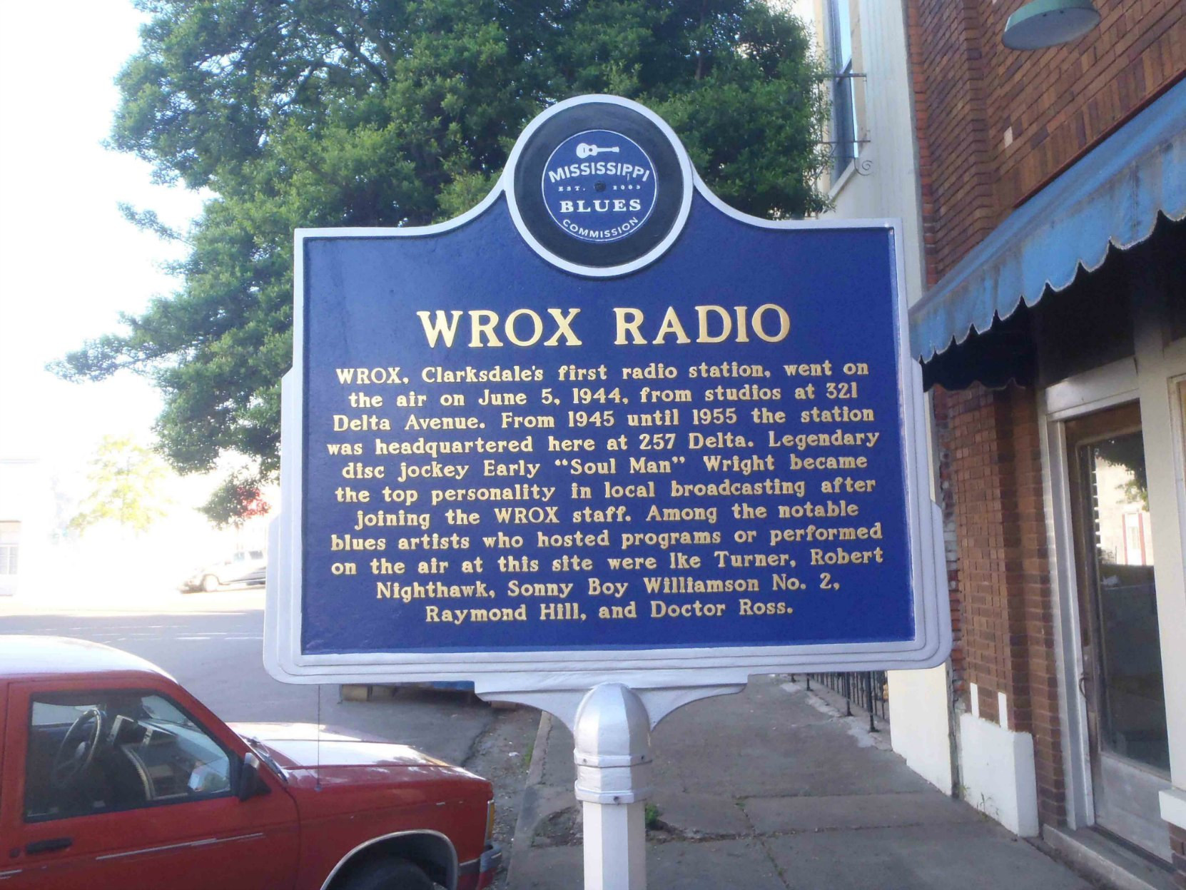 Mississippi Blues Trail marker for WROX, outside 257 Delta, Clarksdale, Mississippi.