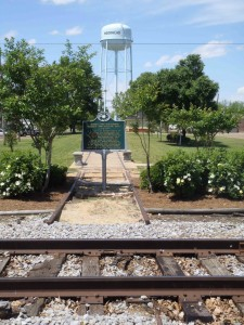 """The Mississippi Department of Archives & History marker """"Where The Southern Crosses The Dog"""", Moorhead, Mississippi"""