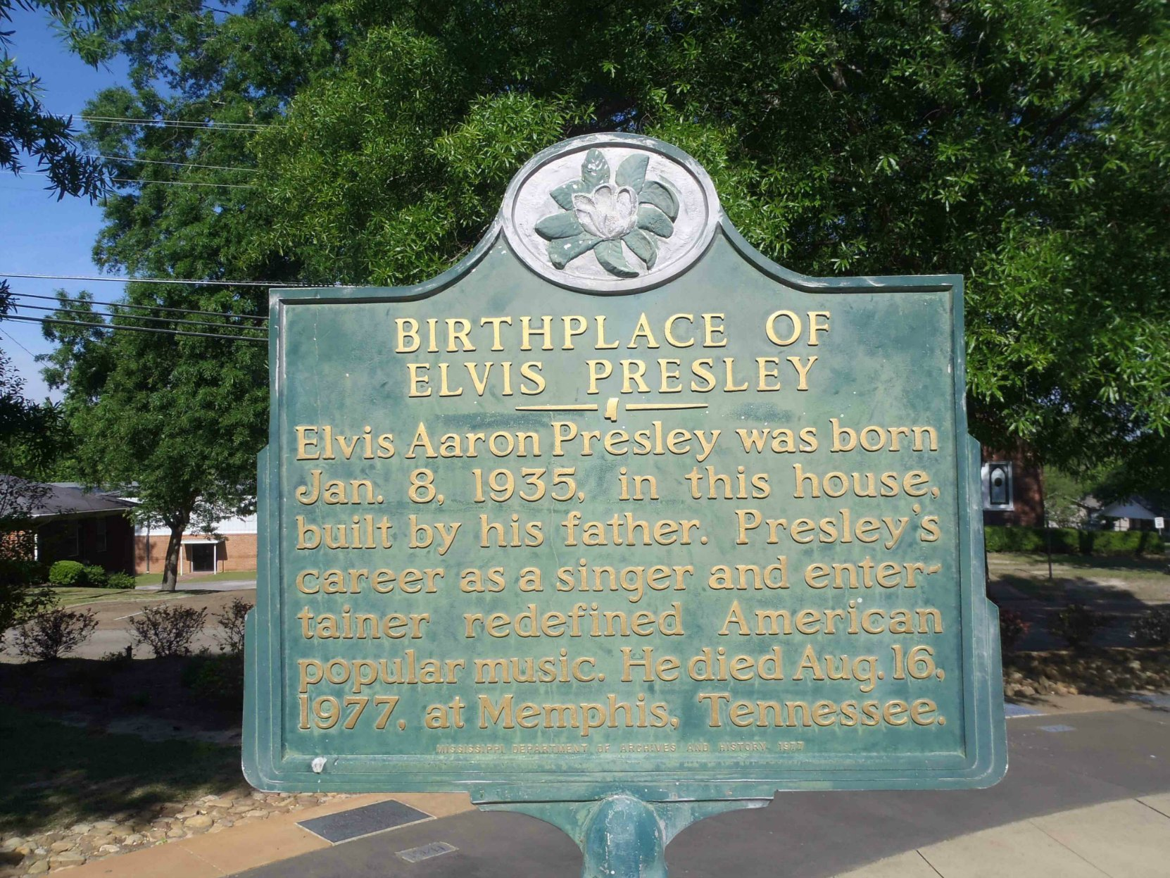 Mississippi Department of Archives & History marker for Birthplace of Elvis Presley, Elvis Presley Birthplace Museum, Tupelo, Mississippi