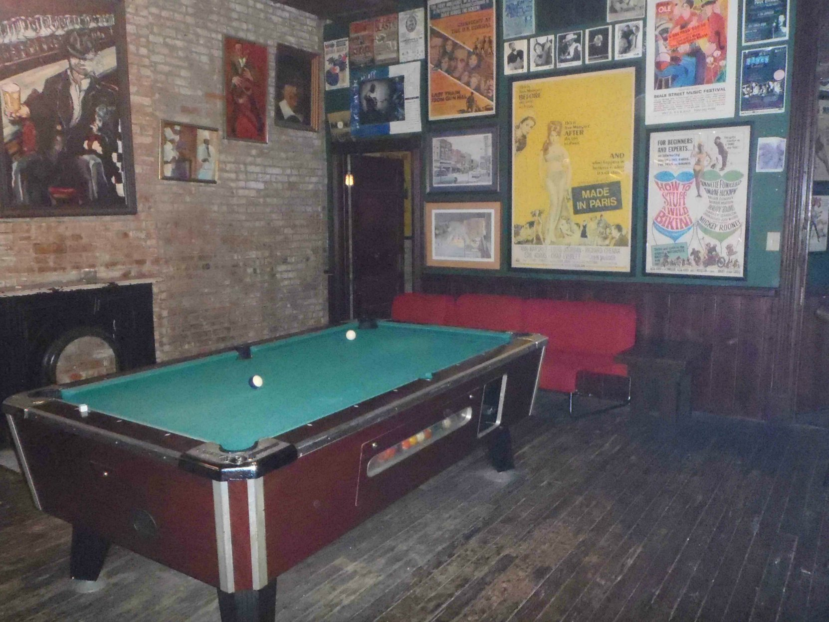 The former Hooks Brothers Photography Studio is now a pool hall. We think this was once a Hooks Brothers studio room.