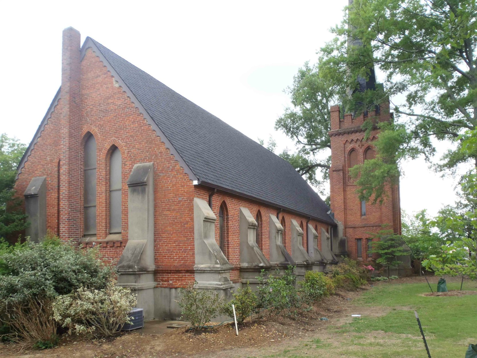St. Peter's Episcopal Church, Oxford, Mississippi. William Faulkner was a parishioner of this church.
