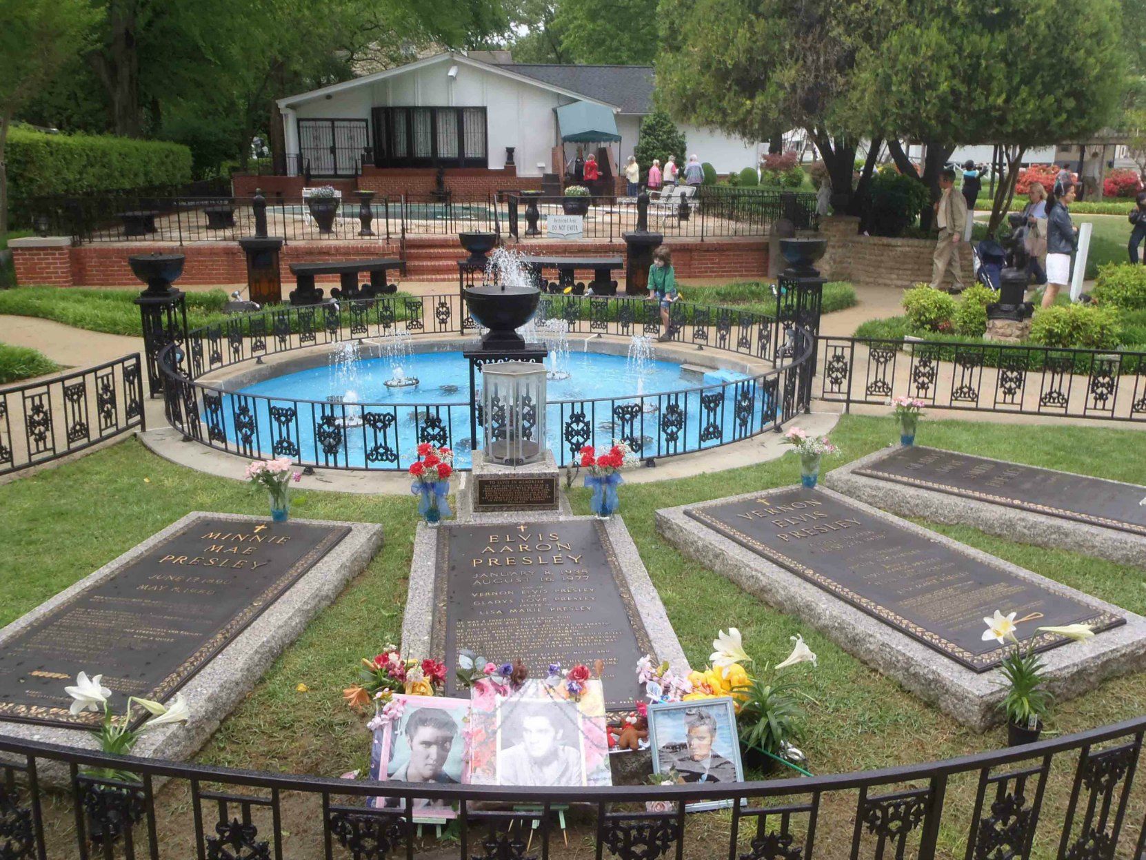 The graves of Elvis Presley, his mother Gladys Presley, his father Vernon Presley and his grandmother Minnie Mae Presley, Graceland, Memphis Tennessee