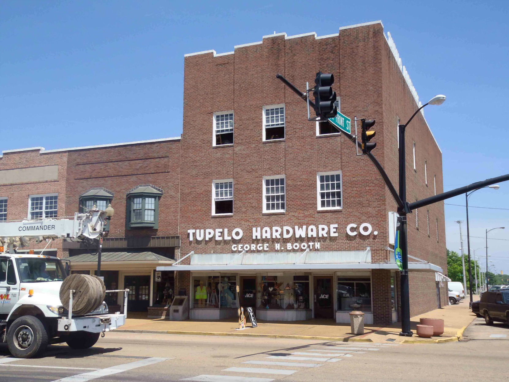 Tupelo Hardware Company, where Elvis Presley bought his first guitar. (photo by Mississippi Blues Travellers)